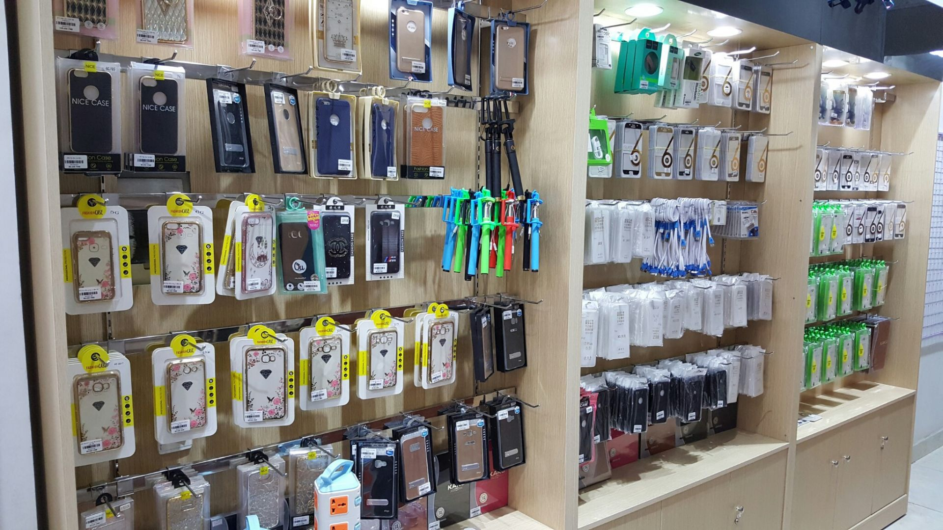 Kinh doanh tại nhà vốn ít với tiệm hàng hóa kiện tùng điện thoại