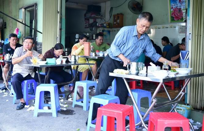 Buôn bán nhỏ tại nhà với 1 quán hàng ăn